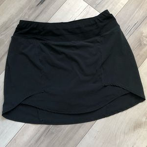 Oiselle running skirt with built-in shorts! In EUC